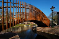 Bridge over troubled water Leiden